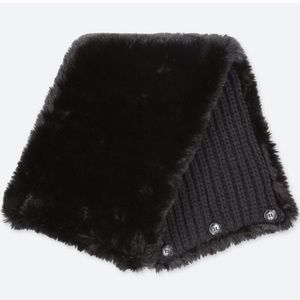 NWT Uniqlo Faux Fur reversible two-way snood